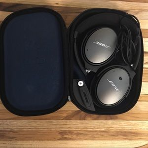 Bose Noise Cancelling Earphones With Case